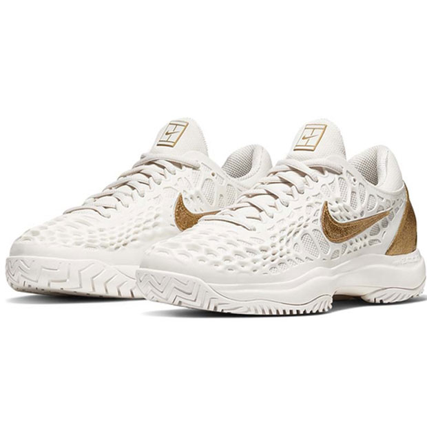 [나이키 여성용 줌 케이지 3 테니스화] NIKE Women`s Zoom Cage 3 Tennis Shoes - Phantom and Metallic Gold